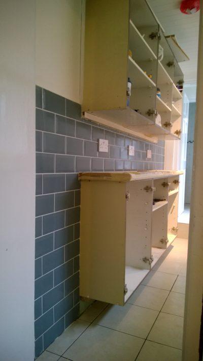 kitchen blue tiles