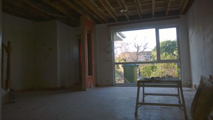 demolition work, lounge