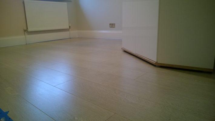 bedroom laminate floor