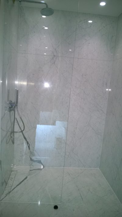 walk-in shower, large tiles